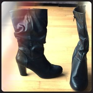 Slouch black boots sz9